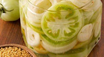 Солёные зелёные помидоры на зиму. Засолка зеленых помидор рецепт с фото.