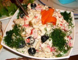 Рецепт с фото: Салат с крабовыми палочками. Салаты.