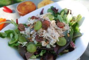 Рецепт с фото: Салат с виноградом и курицей